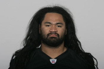 OAKLAND, CA - 2009:  Samson Satele of the Oakland Raiders poses for his 2009 NFL headshot at photo day in Oakland, California.  (Photo by NFL Photos)