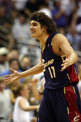 ORLANDO, FL - MAY 26:  Anderson Varejao #17 of the Cleveland Cavaliers reacts while playing against the Orlando Magic in Game Four of the Eastern Conference Finals during the 2009 NBA Playoffs at the Amway Arena on May 26, 2009 in Orlando, Florida. NOTE T
