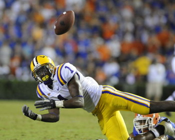 GAINESVILLE, FL - OCTOBER 11: Wide receiver Brandon LaFell #1 of the LSU Tigers misses a pass against the University of Florida Gators at Ben Hill Griffin Stadium on October 11, 2008 in Gainesville, Florida.  (Photo by Al Messerschmidt/Getty Images)