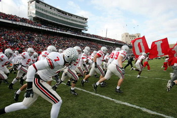 EVANSTON, IL - NOVEMBER 11:  The Ohio State Buckeyes take the field prior to the start of a game against the Northwestern Wildcats on November 11, 2006 at Ryan Field in Evanston, Illinois. Ohio State defeated Northwestern 54-10.  (Photo by Jonathan Daniel