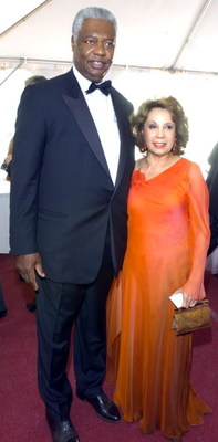 CINCINNATI, OH - AUGUST 22:  NBA Hall of Famer, Oscar Robertson, and wife Yvonne attend the National Underground Railroad Freedom Center Gala  August 22, 2004 in Cincinnati, Ohio.  (Photo by Mike Simons/Getty Images)