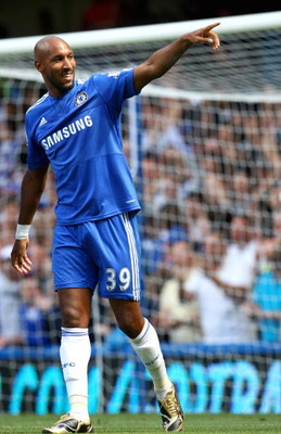LONDON, ENGLAND - AUGUST 29:  Nicolas Anelka of Chelsea celebrates scoring the opening goal during the Barclays Premier League match between Chelsea and Burnley at Stamford Bridge on August 29, 2009 in London, England.  (Photo by Phil Cole/Getty Images)