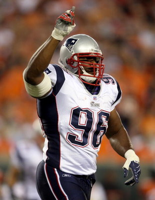 CINCINNATI - OCTOBER 01:  Adalius Thomas #96 of the New England Patriots celebrates a sack against the Cincinnati Bengals during the NFL game on October 1, 2007 at Paul Brown Stadium in Cincinnati, Ohio.  (Photo by Andy Lyons/Getty Images)