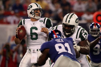 EAST RUTHERFORD, NJ - AUGUST 29:  Mark Sanchez #6 of the New York Jets throws a pass against the New York Giants on August 29, 2009 at Giants Stadium in East Rutherford, New Jersey.  (Photo by Jim McIsaac/Getty Images)