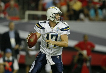 ATLANTA - AUGUST 29:  Quarterback Philip Rivers #17  of the San Diego Chargers looks downfield during the game against the Atlanta Falcons at the Georgia Dome on August 29, 2009 in Atlanta, Georgia.  (Photo by Mike Zarrilli/Getty Images)