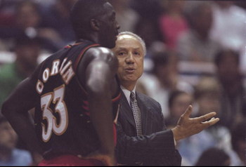 3 Feb 1998:  Head coach Lenny Wilkins and forward Tyrone Corbin of the Atlanta Hawks confer during a game against the Orlando Magic at the Orlando Arena in Orlando, Florida.  The Magic won the game, 91-90. Mandatory Credit: Andy Lyons  /Allsport