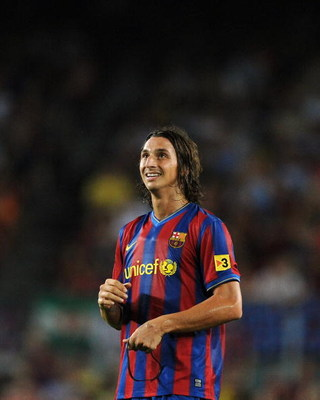 BARCELONA, SPAIN - AUGUST 31:  Zlatan Ibrahimovic   of Barcelona waits for play to resume during the La Liga match between Barcelona and Sporting Gijon at the Nou Camp stadium on August 31, 2009 in Barcelona, Spain.  (Photo by Denis Doyle/Getty Images)