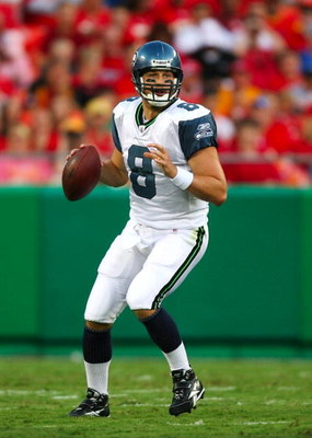 KANSAS CITY, MO - AUGUST 29: Quarterback Matt Hasselbeck #8 of the Seattle Seahawks looks to throw a pass against the Kansas City Chiefs during their preseason game at Arrowhead Stadium on August 29, 2009 in Kansas City, Missouri. (Photo by Dilip Vishwana