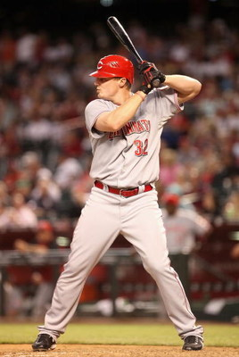 PHOENIX - MAY 12:  Jay Bruce #32 of the Cincinnati Reds bats against the Arizona Diamondbacks during the major league baseball game at Chase Field on May 12, 2009 in Phoenix, Arizona.  The Reds defeated the Diamondbacks 3-1.  (Photo by Christian Petersen/