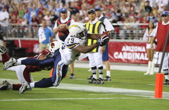 GLENDALE, AZ - AUGUST 22: Running back Michael Bennett #29 of the San Diego Chargers leaps for the touchdown in the second quarter during the game against  the Arizona Cardinals at the University of Phoenix Stadium on August 22, 2009 in Glendale, Arizona.