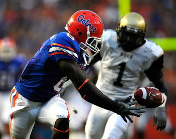GAINESVILLE, FL - SEPTEMBER 05:  Deonte Thompson #6 of the Florida Gators attempts to make a reception during the game against the Charleston Southern Buccaneers at Ben Hill Griffin Stadium on September 5, 2009 in Gainesville, Florida.  (Photo by Sam Gree