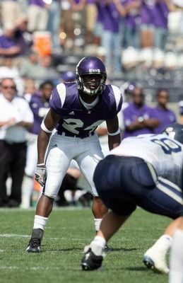 EVANSTON, IL - SEPTEMBER 8: Sherrick McManis #24 of the Northwestern Wildcats gets ready for the hike during the game against the Nevada Wolf Pack on September 8, 2007 at Ryan Field at Northwestern University in Evanston, Illinois. (Photo by Jonathan Dani
