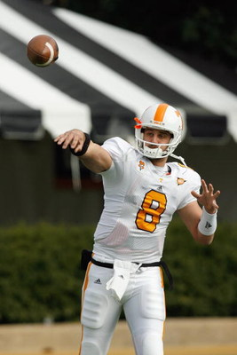 NASHVILLE, TN - NOVEMBER 22: Quarterback  Jonathan Crompton #8 of the Tennessee Volunteers warms up before the game against the Vanderbilt Commodores at Vanderbilt Stadium on November 22, 2008 in Nashville, North Carolina.  (Photo by Kevin C. Cox/Getty Im