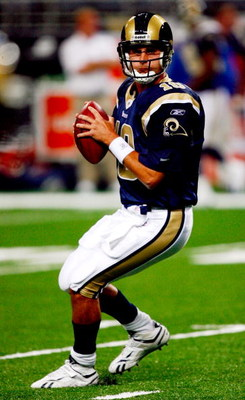 ST. LOUIS, MO - SEPTEMBER 03: Quarterback Marc Bulger #10 of the St. Louis Rams drops back to pass during warm ups before the preseason game against the Kansas City Chiefs at the Edward Jones Dome on September 3, 2009 in St. Louis, Missouri. (Photo by Dil