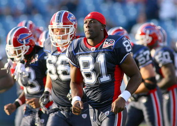 ORCHARD PARK, NY - SEPTEMBER 03: Terrell Owens #81 of the Buffalo Bills runs onto the field prior a preseason game against the Detroit Lions at Ralph Wilson Stadium on September 3, 2009 in Orchard Park, New York.  (Photo by Rick Stewart/Getty Images)