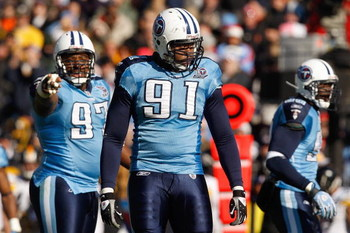 NASHVILLE,TN - DECEMBER 21:  Jason Jones #91 of the Tennessee Titans looks down the field during the game against the Pittsburgh Steelers on December 21, 2008 at LP Field in Nashville, Tennessee. (Photo by: Streeter Lecka/Getty Images)
