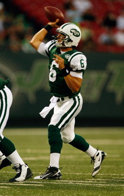 EAST RUTHERFORD, NJ - SEPTEMBER 3:  Mark Sanchez #6 of the New York Jets throws a pass against the Philadelphia Eagles during the game on September 3, 2009 at Giants Stadium in East Rutherford, New Jersey. (Photo by Jared Wickerham/Getty Images)