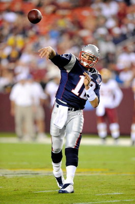LANDOVER, MD - AUGUST 28:  Tom Brady #12 of the New England Patriots throws a pass in a preseason game against the Washington Redskins at FedExField on August 28, 2009 in Landover, Maryland.  (Photo by Greg Fiume/Getty Images)