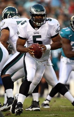 PHILADELPHIA - AUGUST 27:  Donovan McNabb #5 of the Philadelphia Eagles scrambles against the Jacksonville Jaguars on August 27, 2009 at Lincoln Financial Field in Philadelphia, Pennsylvania.  (Photo by Jim McIsaac/Getty Images)