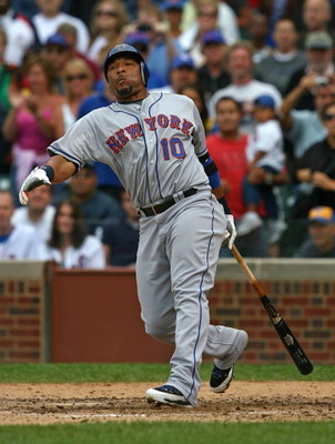 CHICAGO - AUGUST 28: Gary Sheffield #10 of the New York Mets strikes out to end a game against the Chicago Cubs on August 28, 2009 at Wrigley Field in Chicago, Illinois. The Cubs defeated the Mets 5-2. (Photo by Jonathan Daniel/Getty Images)