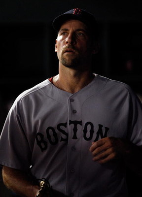 ARLINGTON, TX - JULY 20:  Pitcher John Smoltz #29 of the Boston Red Sox on July 20, 2009 at Rangers Ballpark in Arlington, Texas.  (Photo by Ronald Martinez/Getty Images)