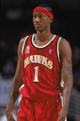 15 Dec 2001:  Forward DerMarr Johnson #1 of the Atlanta Hawks walks on the court during the NBA game against the Chicago Bulls at the United Center in Chicago, Illinois.  The Hawks edged the Bulls 80-79.Mandatory Credit:  Jonathan Daniel/Getty Images