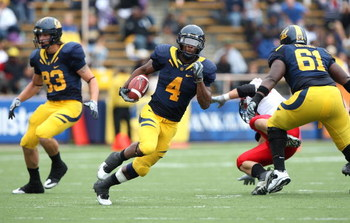 BERKELEY, CA - SEPTEMBER 12:  Jahvid Best #4 of the California Golden Bears runs against the Eastern Washington Eagles at Memorial Stadium on September 12, 2009 in Berkeley, California.  (Photo by Jed Jacobsohn/Getty Images)