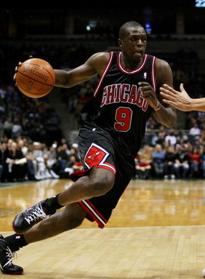 MILWAUKEE - FEBRUARY 18: Luol Deng #9 of the Chicago Bulls drives to the basket against the Milwaukee Bucks on February 18, 2009 at the Bradley Center in Milwaukee, Wisconsin. The Bulls defeated the Bucks 133-104. NOTE TO USER: User expressly acknowledges