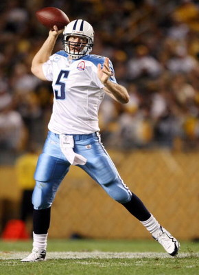 PITTSBURGH, UNITED STATES - SEPTEMBER 11:  Kerry Collins #5 of the Tennessee Titans passes the ball against the Pittsburgh Steelers on September 11, 2009 at Heinz Field in Pittsburgh, Pennsylvania. The Steelers defeated the Titans 13-10 in overtime.  (Pho