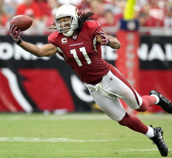 GLENDALE, AZ - SEPTEMBER 13:  Wide receiver Larry Fitzgerald #11 of the Arizona Cardinals is unable to catch a pass during the NFL game against the San Francisco 49ers at the Universtity of Phoenix Stadium on September 13, 2009 in Glendale, Arizona. The 4
