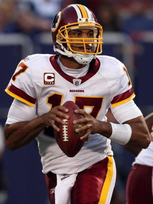 EAST RUTHERFORD, NJ - SEPTEMBER 13:  Jason Campbell #17 of the Washington Redskins looks to throw a pass against the New York Giants on September 13, 2009 at Giants Stadium in East Rutherford, New Jersey.  (Photo by Jim McIsaac/Getty Images)