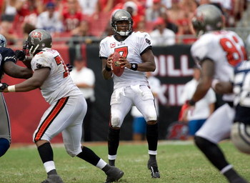 TAMPA, FL - SEPTEMBER 13:  Quarterback Byron Leftwich #7 of the Tampa Bay Buccaneers looks for a receiver against the Dallas Cowboys during the game at Raymond James Stadium on September 13, 2009 in Tampa, Florida.  (Photo by J. Meric/Getty Images)