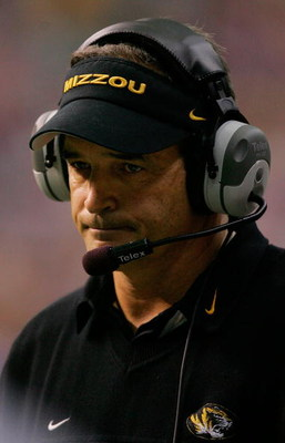 SAN ANTONIO - DECEMBER 1:  Head coach Gary Pinkel of the Missouri Tigers reacts during play with the Oklahoma Sooners during the Big 12 Championship at the Alamodome December 1, 2007 in San Antonio, Texas.  (Photo by Ronald Martinez/Getty Images)