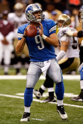 NEW ORLEANS - SEPTEMBER 13:  Quarterback Matthew Stafford #9 of the Detroit Lions throws the ball against the New Orleans Saints at the Louisiana Superdome on September 13, 2009 in New Orleans, Louisiana. The Saints defeated the Lions 45-27.   (Photo by C