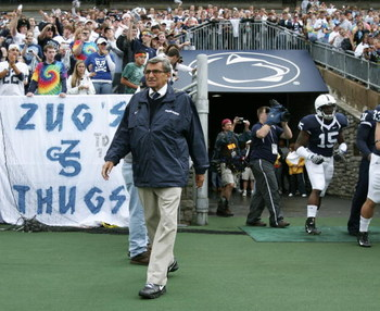 STATE COLLEGE, PA - SEPTEMBER 12: Head coach Joe Paterno of the Penn State Nittany Lions walks on to the field before the start of their game against the Syracuse Orangemen  at Beaver Stadium  September 12, 2009 in State College, Pennsylvania.  (Photo by