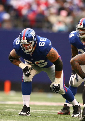 EAST RUTHERFORD, NJ - NOVEMBER 16:  David Diehl #66 of the New York Giants in action against the Baltimore Ravens during their game on November 16, 2008 at Giants Stadium in East Rutherford, New Jersey.  (Photo by Al Bello/Getty Images)