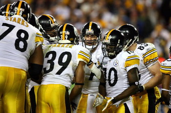 TAMPA, FL - FEBRUARY 01:  Ben Roethlisberger #7 of the Pittsburgh Steelers talks with his players in the huddle against the Arizona Cardinals during Super Bowl XLIII on February 1, 2009 at Raymond James Stadium in Tampa, Florida.  (Photo by Al Bello/Getty