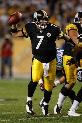 PITTSBURGH, PA - SEPTEMBER 10: Quarterback Ben Roethlisberger #7 of the Pittsburgh Steelers runs as he passes the football against the Tennessee Titans at Heinz Field on September 10, 2009 in Pittsburgh, Pennsylvania. The Steelers defeated the Titans 13-1