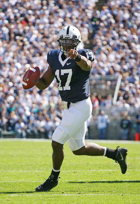 STATE COLLEGE, PA - SEPTEMBER 19: Quarterback Daryll Clark #17 of the Penn State Nittany Lions rolls out of the pocket during a game against the Temple Owls on September 19, 2009 at Beaver Stadium in State College, Pennsylvania. (Photo by Hunter Martin/Ge