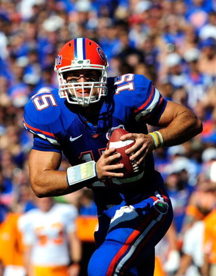 GAINESVILLE, FL - SEPTEMBER 19:  Tim Tebow #15 of the Florida Gators scrambles for yardage during the game against the Tennessee Volunteers at Ben Hill Griffin Stadium on September 19, 2009 in Gainesville, Florida.  (Photo by Sam Greenwood/Getty Images)