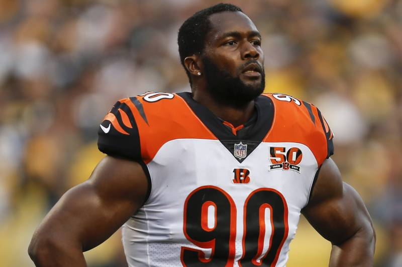 Michael Johnson Ruled out After Suffering Knee Injury vs. Ravens ...