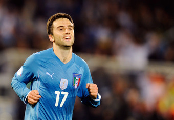 PRETORIA, SOUTH AFRICA - JUNE 15: Giuseppe Rossi of Italy celebrate during the FIFA Confederations Cup match between USA and Italy played at the Loftus Versfeld Stadium on June 15, 2009 in Pretoria, South Africa.  (Photo by Claudio Villa/Getty Images)