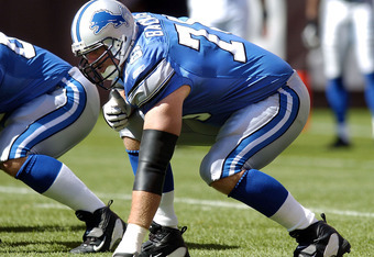 CLEVELAND, OH - AUGUST 21:  Jeff Backus #76 of the Detroit Lions during warmups before the game against the Cleveland Browns on August 21, 2004 at Cleveland Browns Stadium in Cleveland, Ohio. Cleveland defeated Detroit 17-10.  (Photo by David Maxwell/Gett