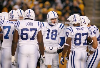 PITTSBURGH - NOVEMBER 9:  Quarterback Peyton Manning #18 of the Indianapolis Colts huddles during the game against the Pittsburgh Steelers on November 9, 2008 at Heinz Field in Pittsburgh, Pennsylvania. (Photo by: Rick Stewart/Getty Images)