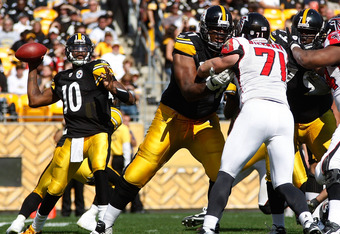 PITTSBURGH - SEPTEMBER 12:  Dennis Dixon #10 of the Pittsburgh Steelers drops back to pass against the Atlanta Falcons during the NFL season opener game on September 12, 2010 at Heinz Field in Pittsburgh, Pennsylvania.  (Photo by Jared Wickerham/Getty Images)
