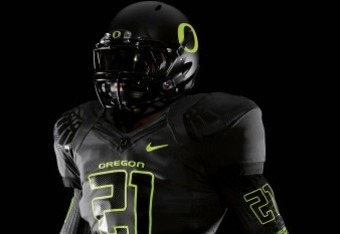The Oregon Ducks uniform is one of the few that doesn't look horrible.