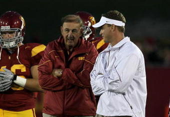 USC fans are expecting more than 8 wins in 2011.