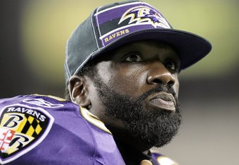 PHILADELPHIA, PA - AUGUST 11:  Ed Reed #20 of the Baltimore Ravens looks on against the Philadelphia Eagles during their pre season game on August 11, 2011 at Lincoln Financial Field in Philadelphia, Pennsylvania.  (Photo by Jim McIsaac/Getty Images)