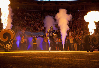 ST. LOUIS - SEPTEMBER 11: Sam Bradford #8 of the St. Louis Rams takes the field against the Philadelphia Eagles at the Edward Jones Dome on September 11, 2011 in St. Louis, Missouri.  (Photo by Dilip Vishwanat/Getty Images)