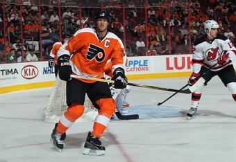 PHILADELPHIA, PA - SEPTEMBER 29:  Chris Pronger #20 of the Philadelphia Flyers skates against the New Jersey Devils at the Wells Fargo Center on September 29, 2011 in Philadelphia, Pennsylvania. The Flyers defeated the Devils 2-1.  (Photo by Bruce Bennett